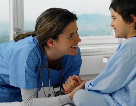 Necesitan mucho, pero sobre todo necesitan a su enfermera