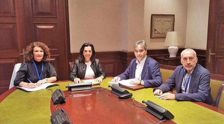 Manuel Cascos se reúne con Amparo Moya, portavoz de Ciudadanos en la Comisión de Sanidad en el Congreso