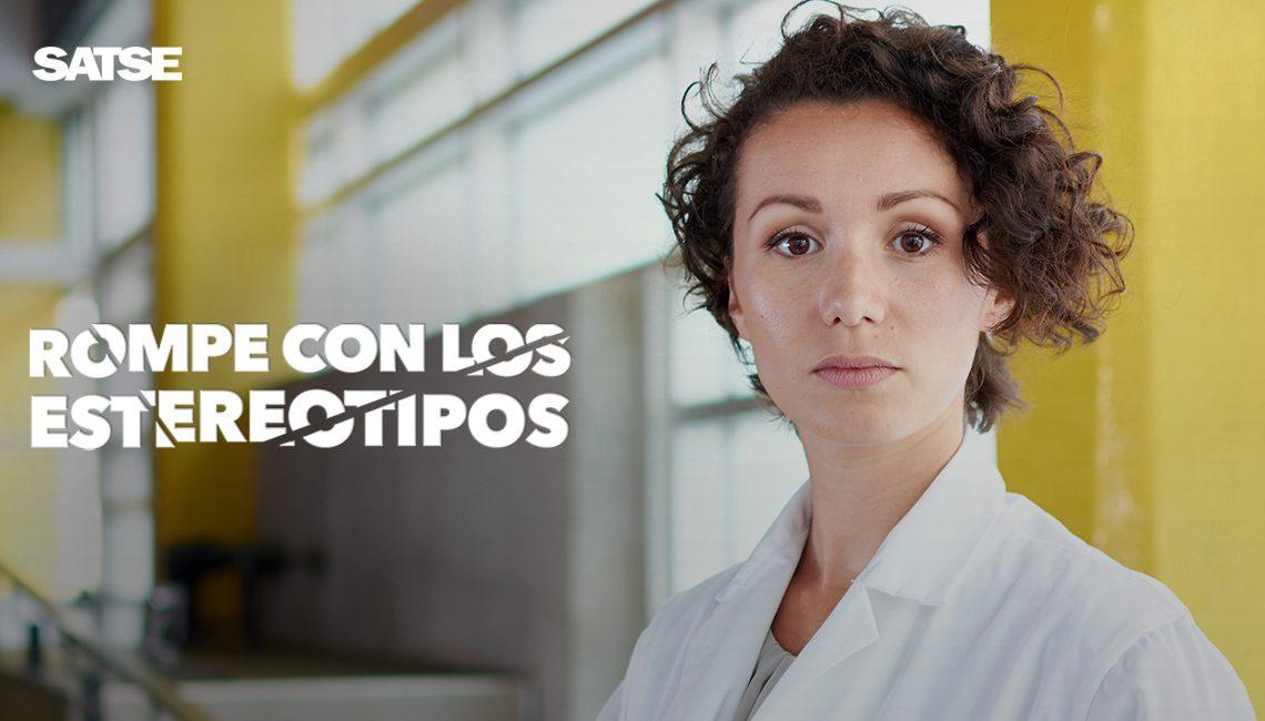 Rompe con los estereotipos y el sexismo que sufren las mujeres enfermeras