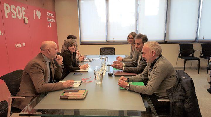 Manuel Cascos se reúne con María Luisa Carcedo, secretaria de Sanidad y Consumo del PSOE