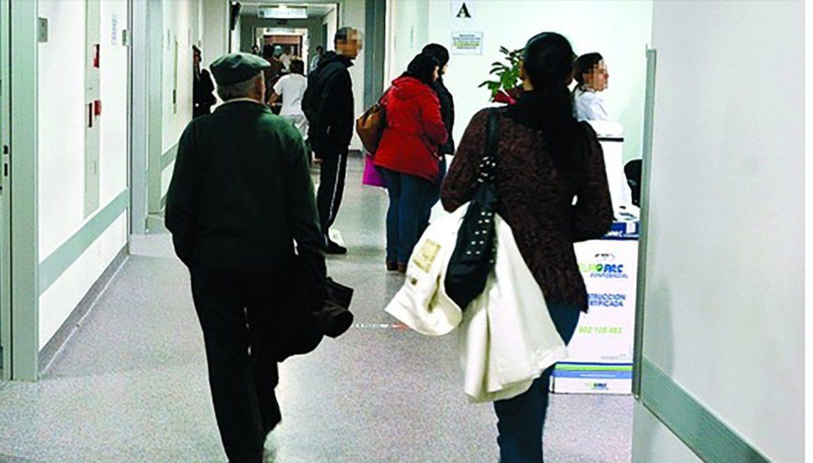 Gran afluencia de personas a los hospitales