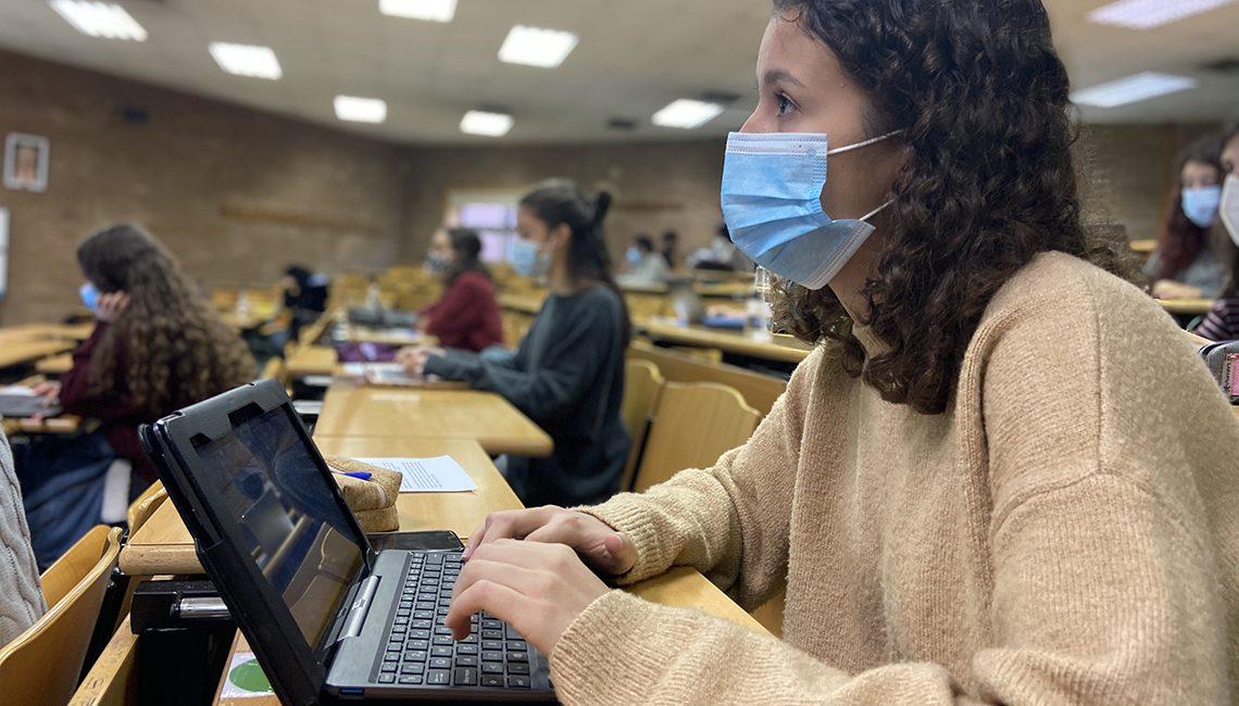 SATSE reclama a las autonomías que se comprometan para que puedan graduarse más enfermeras