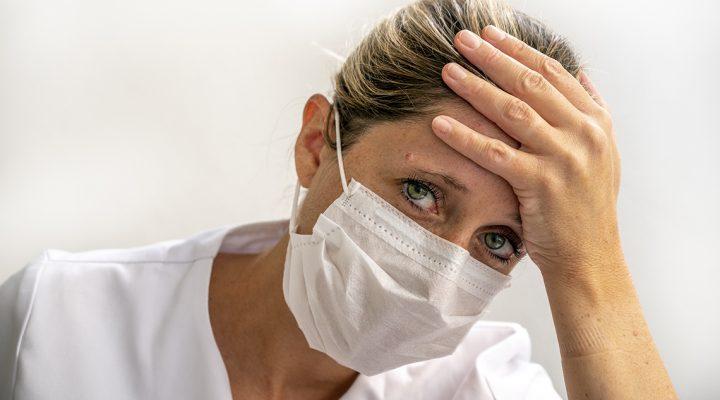 SATSE denuncia el abandono a sanitarios que requieren ayuda psicológica por el Covid 19