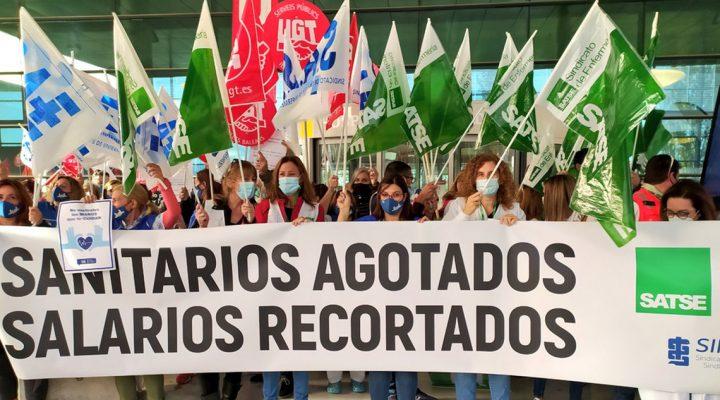 Protesta de SATSE por el sufrimiento laboral y retributivo de las enfermeras en la crisis del COVID